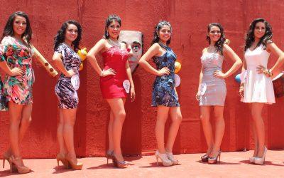 """Semifinal del concurso """"Reina de la belleza, el turismo y las culturas de Chiapas""""."""